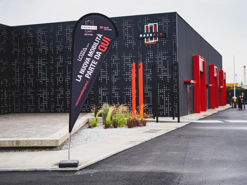 e.20 all'inaugurazione di Base ALD è il nuovo servizio di noleggio che cambierà la mobilità
